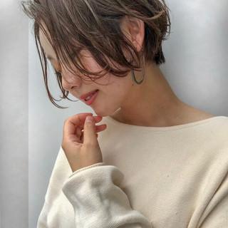 前髪あり 大人かわいい 抜け感 外国人風 ヘアスタイルや髪型の写真・画像