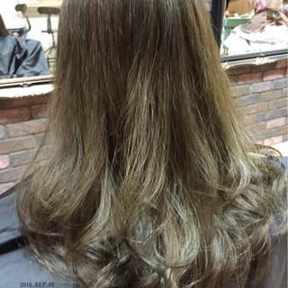 アッシュグレー 暗髪 ロング 外国人風 ヘアスタイルや髪型の写真・画像