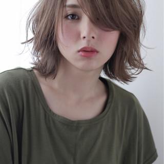 おフェロ ボブ うざバング フェミニン ヘアスタイルや髪型の写真・画像 ヘアスタイルや髪型の写真・画像