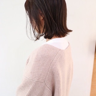ミニボブ ハイライト グレージュ レイヤーボブ ヘアスタイルや髪型の写真・画像