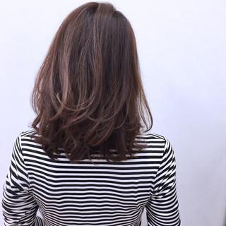 ハイライト ミディアム ゆるふわ 冬 ヘアスタイルや髪型の写真・画像