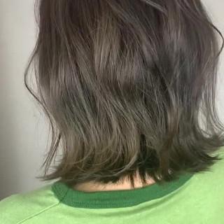 アディクシーカラー グレーアッシュ グレー ミディアム ヘアスタイルや髪型の写真・画像