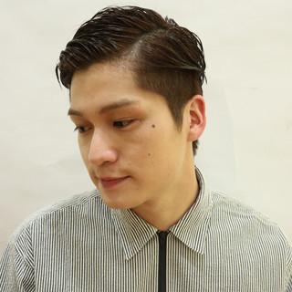 ナチュラル 刈り上げ ウェットヘア ショート ヘアスタイルや髪型の写真・画像