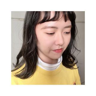 ダークカラー ミディアム くすみカラー ワイドバング ヘアスタイルや髪型の写真・画像