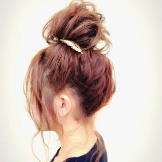 ゆるふわ セミロング ヘアアレンジ お団子 ヘアスタイルや髪型の写真・画像