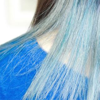 ナチュラル ロング グレー インナーカラー ヘアスタイルや髪型の写真・画像