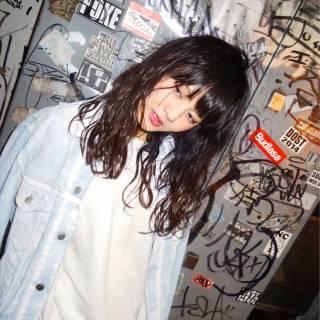 ウェーブ セミロング ストレート ストリート ヘアスタイルや髪型の写真・画像