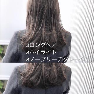 アッシュ アンニュイほつれヘア セミロング ナチュラル ヘアスタイルや髪型の写真・画像