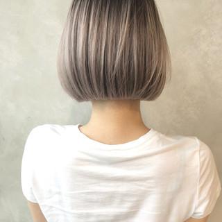 切りっぱなしボブ ショートボブ ウルフカット ナチュラル ヘアスタイルや髪型の写真・画像
