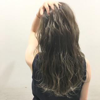 暗髪 ハイライト ストリート ロング ヘアスタイルや髪型の写真・画像
