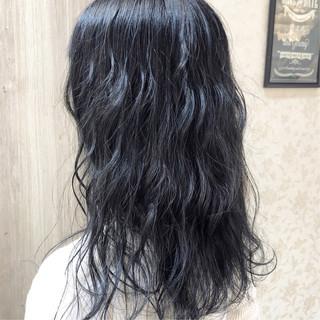 セミロング ブルーアッシュ ブルー ブルーブラック ヘアスタイルや髪型の写真・画像