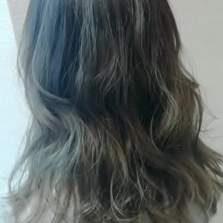 外国人風 セミロング ゆるふわ 抜け感 ヘアスタイルや髪型の写真・画像 ヘアスタイルや髪型の写真・画像