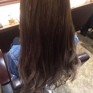 ロング フェミニン アッシュ 外国人風カラー ヘアスタイルや髪型の写真・画像