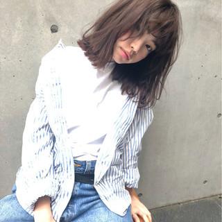 ミディアム ガーリー 外ハネ ボブ ヘアスタイルや髪型の写真・画像