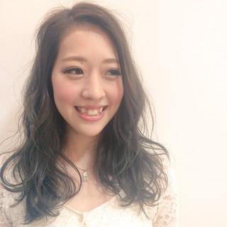 ガーリー 大人かわいい 暗髪 外国人風 ヘアスタイルや髪型の写真・画像