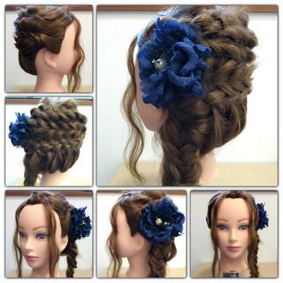 編み込み ヘアアレンジ くるりんぱ フィッシュボーン ヘアスタイルや髪型の写真・画像 ヘアスタイルや髪型の写真・画像