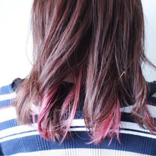 ピンク セミロング ラベンダーピンク インナーカラー ヘアスタイルや髪型の写真・画像