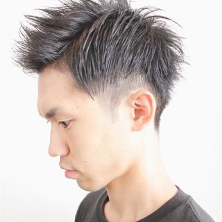 暗髪 メンズ 前髪なし アッシュ ヘアスタイルや髪型の写真・画像