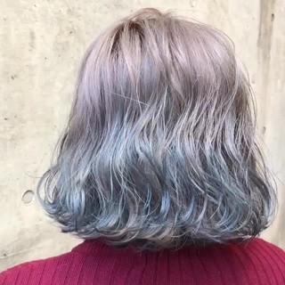 バレイヤージュ ダブルカラー ボブ シルバーアッシュ ヘアスタイルや髪型の写真・画像