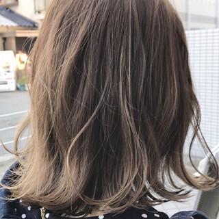 ウェーブ ボブ オフィス ナチュラル ヘアスタイルや髪型の写真・画像