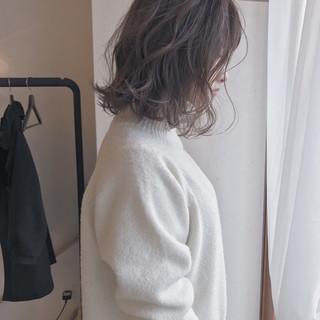 ハイライト 外ハネ ナチュラル 謝恩会 ヘアスタイルや髪型の写真・画像