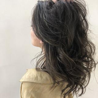 エレガント ハイライト ロング グレージュ ヘアスタイルや髪型の写真・画像