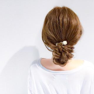 簡単ヘアアレンジ アウトドア セミロング デート ヘアスタイルや髪型の写真・画像