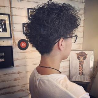 アッシュ ストリート メンズ 黒髪 ヘアスタイルや髪型の写真・画像