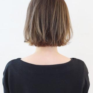 ストリート ボブ グレージュ ハイライト ヘアスタイルや髪型の写真・画像 ヘアスタイルや髪型の写真・画像