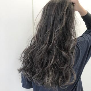 グレージュ アッシュ アッシュグレージュ コンサバ ヘアスタイルや髪型の写真・画像