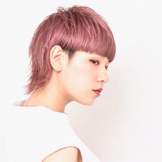 ピンクカラー モード ワイドバング ハイトーンカラー ヘアスタイルや髪型の写真・画像