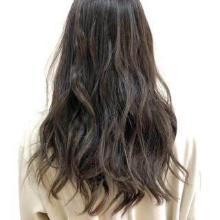 外国人風 ロング フェミニン バレイヤージュ ヘアスタイルや髪型の写真・画像