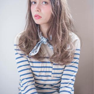 セミロング ナチュラル パーマ ロブ ヘアスタイルや髪型の写真・画像