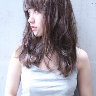 大人かわいい セミロング フェミニン ハイライト ヘアスタイルや髪型の写真・画像 ヘアスタイルや髪型の写真・画像