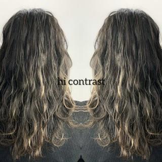 イルミナカラー ナチュラル セミロング バレイヤージュ ヘアスタイルや髪型の写真・画像