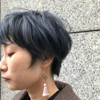 ストリート グレーアッシュ ショート ブリーチ ヘアスタイルや髪型の写真・画像
