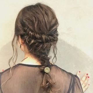 結婚式 ミディアム ナチュラル 大人かわいい ヘアスタイルや髪型の写真・画像