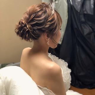 フェミニン アップスタイル アップ ブライダル ヘアスタイルや髪型の写真・画像