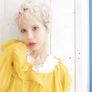 インナーカラー ハイトーン 外国人風 ストリート ヘアスタイルや髪型の写真・画像