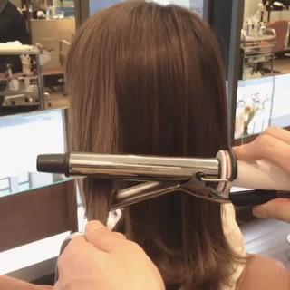 ウェットヘア ミディアム ストリート 簡単ヘアアレンジ ヘアスタイルや髪型の写真・画像