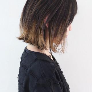 グレージュ バレイヤージュ インナーカラー ボブ ヘアスタイルや髪型の写真・画像