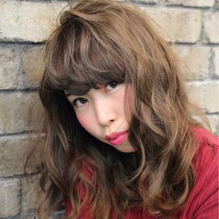 冬 ストリート 色気 ゆるふわ ヘアスタイルや髪型の写真・画像
