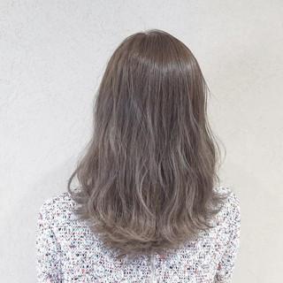 ガーリー 愛され グレージュ セミロング ヘアスタイルや髪型の写真・画像