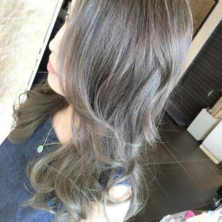 ハイトーン イルミナカラー ハイライト ストリート ヘアスタイルや髪型の写真・画像