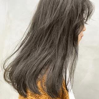 グレー グレーアッシュ 透明感カラー ダークグレー ヘアスタイルや髪型の写真・画像
