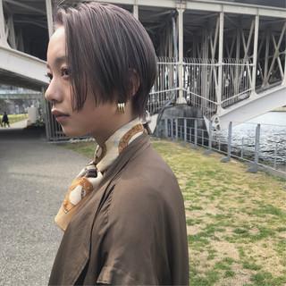 ミルクティーベージュ ベージュ シアーベージュ ブリーチ ヘアスタイルや髪型の写真・画像