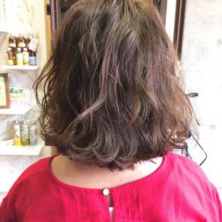 アッシュ ピュア ハイライト ボブ ヘアスタイルや髪型の写真・画像