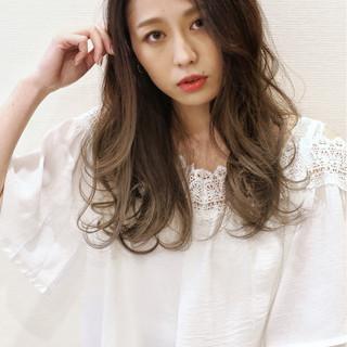 外国人風カラー デート 外国人風 オフィス ヘアスタイルや髪型の写真・画像