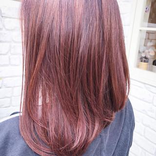 ピンク ベージュ ミディアム ナチュラル ヘアスタイルや髪型の写真・画像