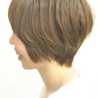 大人ヘアスタイル ナチュラル ショートボブ ショート ヘアスタイルや髪型の写真・画像